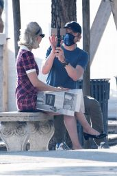 Pom Klementieff With Simon Pegg in Venice 11/09/2020