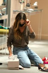 Sarah Jessica Parker - Visits her Collection Shoe Store in NYC 11/17/2020