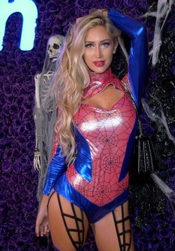 Taylor Ray – Wish Halloween Celebration Red Carpet 2020