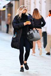 Vanessa Kirby Autumn Street Style - Venice 11/05/2020