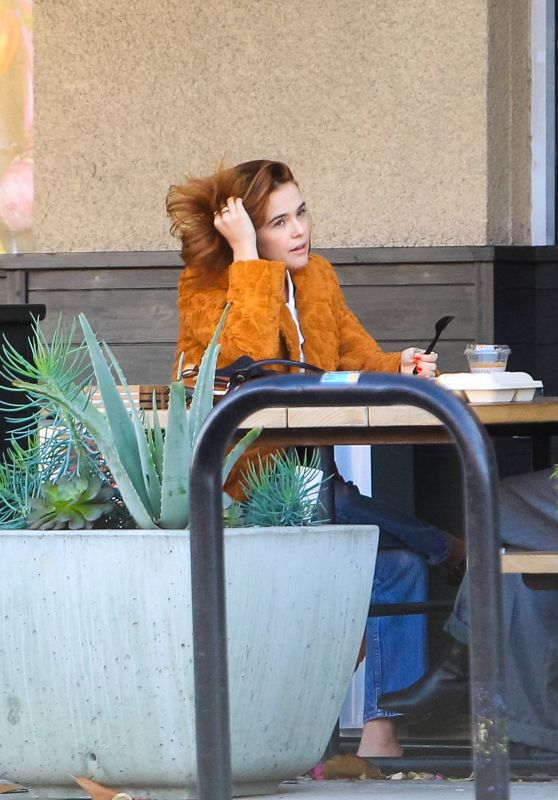 Zoey Deutch - Lunch in West Hollywood 11/08/2020