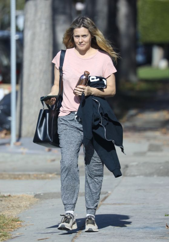 Alicia Silverstone Makeup-Free in Los Angeles 12/22/2020