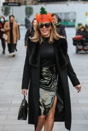 Amanda Holden Wore a Christmas Cracker Hat - London 12/17/2020