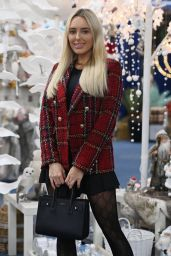 "Amber Turner - ""The Only Way is Essex"" Christmas TV Show Set 12/02/2020"