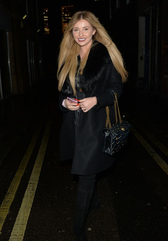 Amy Hart - Heading to Dinner at Hakkasan Restaurant in Mayfair 12/14/2020