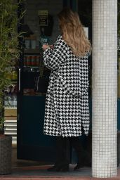 Amy Hart Street Style - Worthing, Sussex 12/22/2020