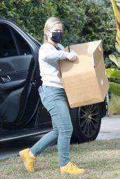 Amy Poehler - Outside Her Office in LA 12/23/2020