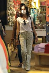 Ana de Armas - Shopping in Santa Monica 12/09/2020