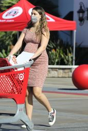 April Love Geary - Shows Off Her Growing Baby Bump 12/04/2020