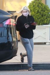 Ariel Winter in a Black Jumper and Grey Joggers - Exiting Laser Away Spa in LA 12/09/2020