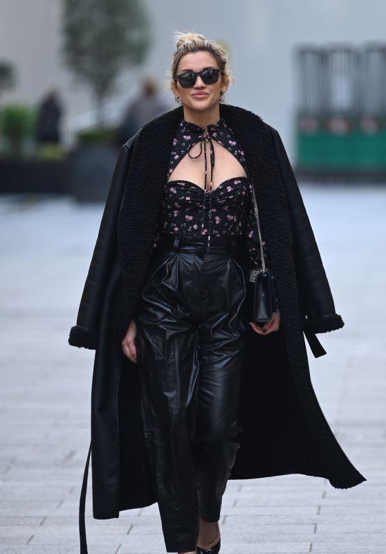 Ashley Roberts - Out n London 12/16/2020