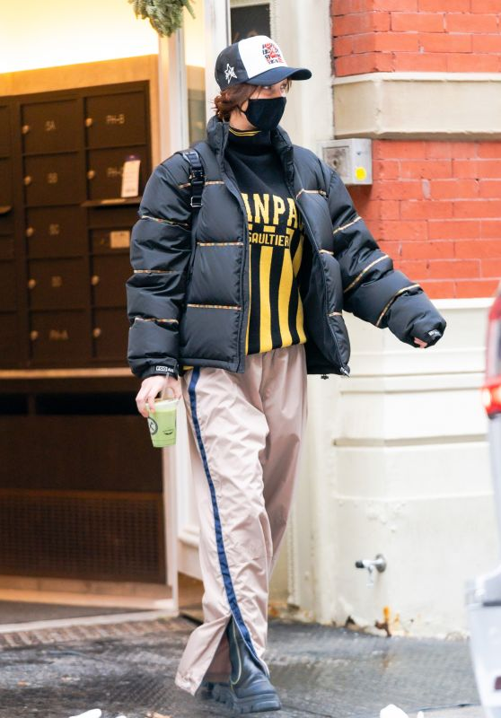 Bella Hadid Street Style - Soho in New York 12/20/2020