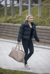 Billie Faiers in Casual Outfit 12/02/2020