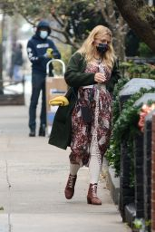 Busy Philipps - Shopping in New York 12/12/2020