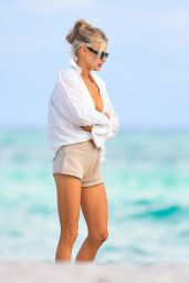 Charlotte McKinney - Beach in Miami 12/19/2020