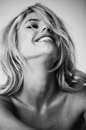 Charlotte McKinney - ELLE Magazine December 2020