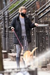 Christie Smythe - Walking Her Dog in New York 12/22/2020