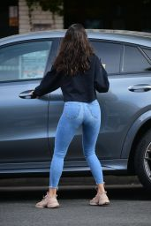 Eiza Gonzalez Booty in Tight Jeans - West Hollywood 12/08/2020