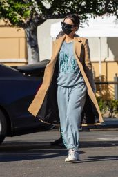 Emily Ratajkowski in a Winter Coat - Out in Los Angeles 12/15/2020
