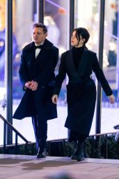 """Hailee Steinfeld and Jeremy Renner - Filming a Scene for """"Hawkeye"""" in NY 12/09/2020"""