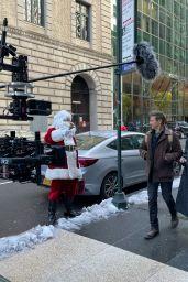 "Hailee Steinfeld and Jeremy Renner in Downtown Manhattan - ""Hawkeye"" Set 12/10/2020"