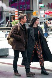 """Hailee Steinfeld - """"Hawkeye"""" Set in NY 12/07/2020"""