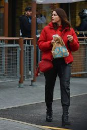 Imogen Thomas - Getting McDonalds for Her Kids in Chelsea 12/03/2020