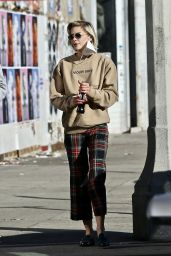 Jaime King at the Flea Market in West Hollywood 12/20/2020
