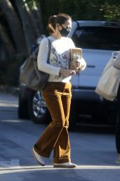 Jennifer Garner in Casual Outfit - Brentwood 12/03/2020