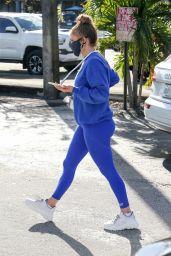 Jennifer Lopez - Last-Minute Christmas Shopping in Miami 12/23/2020