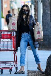 Jordana Brewster - Shopping at Trader Joe