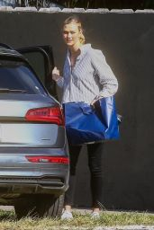 Karlie Kloss - Out in Miami 12/18/2020