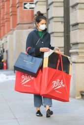 Katie Holmes - Christmas Shopping in Downtown Manhattan 12/22/2020