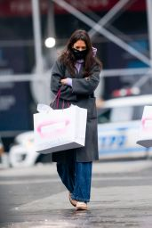Katie Holmes - Shopping at ABC Carpet and Home in NYC 12/20/2020