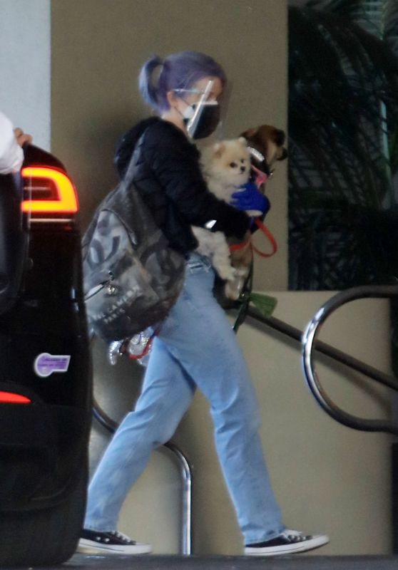 Kelly Osbourne - Out in LA 12/12/2020