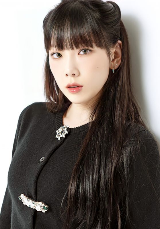 Kim Tae Yeon - Photoshoot for ViVi Magazine Japan November 2020