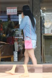 Kimora Lee Simmons - Shopping at Cratier Jewelry Store in St.Barth 12/28/2020