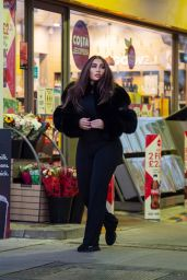 Lauren Goodger at Petrol Station in Chigwell 12/27/2020