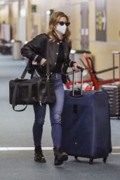 Lili Reinhart in Travel Outfit - Vancouver 12/19/2020