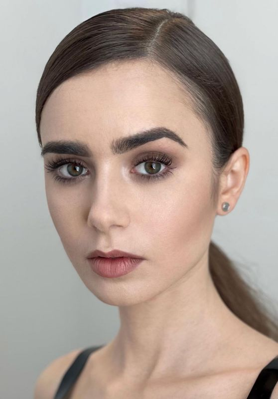 Lily Collins 12/07/2020