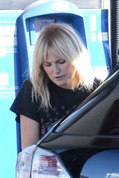 Malin Akerman in Flare Jeans and a Vintage Tee at a Gas Station in Los Feliz 12/20/2020