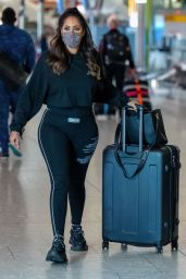 Malin Andersson Wearing Black Leggings With Matching Sweater - Heathrow Airport 12/11/2020