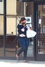 Mindy Kaling - Shopping on Christmas Day in West Hollywood 12/25/2020