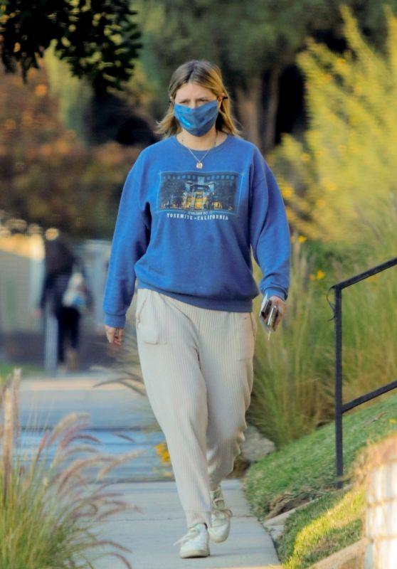 Mischa Barton - Out in Los Angeles Neighborhood 12/02/2020