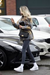 Olivia Attwood - Leaving a Hair Salon in Cheshire 12/17/2020