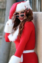 Phoebe Price - Posing With an Elf on the Shelf Influenced Outfit for Christmas in LA 12/09/2020