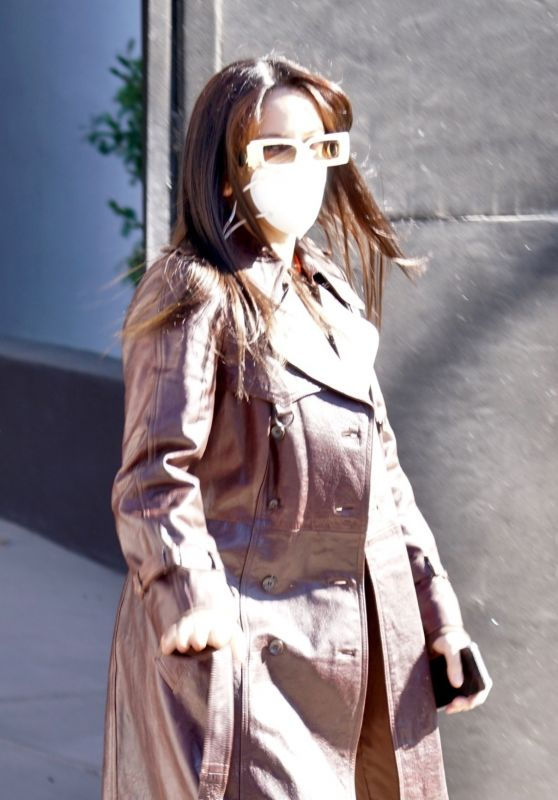 Rosalia - Leaving a Local Hair Salon in Los Angeles 12/19/2020