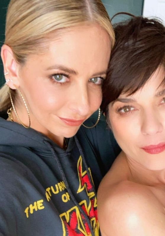 Sarah Michelle Gellar and Selma Blair 12/07/2020