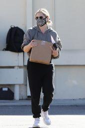Sarah Michelle Gellar in a Sweats - Brentwood 12/19/2020