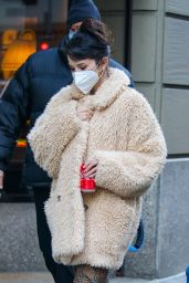 """Selena Gomez - Filming """"Only Murders In The Building"""" in NY 12/08/2020"""